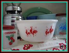VINTAGE RED ROOSTER MIXING BOW      L.        Would love these for my red and white kitchen.
