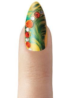 Visit CND Fashion Week Digital Headquarters to view our Paradise nail trend predictions and inspiration for this season!