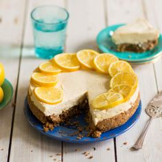 This zesty lemon cheesecake recipe from BakingMad.com is deliciously refreshing and would be a great dessert choice for any occasion. The base is packed with the flavours of gingernut biscuits and Billington's molasses sugar and topped with a smooth, creamy layer of lemon infused cream cheese making this no ordinary cheesecake!