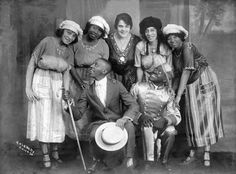 It's Showtime | 1920s A group of African American vaudeville entertainers. Undated. Source: The Black Archives of Mid-America (Kansas City, MO),