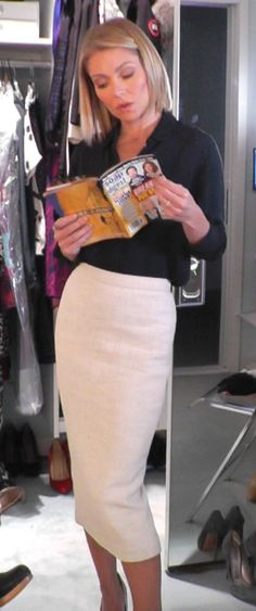 Kelly Ripa wore this ALC oatmeal pencll skirt, and Theory Top. LIVE with Kelly and Michael Fashion Finder.
