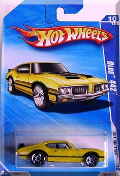 Pearl Yellow, w/Black stripes on sides & hood, Chrome Malaysia Base, w/PR5's.  Only $5.49 with Free Shipping!