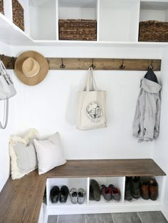 ideas entryway small Making a Mudroom Front Porch Design, Boutique Interior Design, Laundry Room Design, Mudroom, Home Organization, Entryway, House Design, Furniture, Home Decor