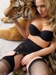 Scarlett Johannson http://pinterest.com/rubenjr04/scarlett-johansson/