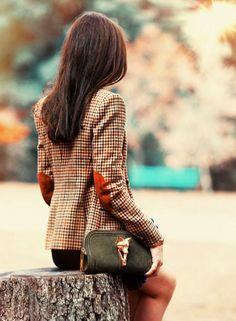 Magnifique cette veste avec coudières!! Click here to visit my Facebook page:https://www.facebook.com/PreppyOrNotPreppy