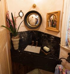 Bathroom Corner Sink
