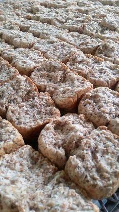 This rusks are crisp and light, filling and healthy. Ingredients are affordable and .-Hierdie beskuit is bros en lig, vullend en gesond. Bestanddele is bekostigbaar e… This rusks are crisp and light, filling and healthy …. West African Food, South African Recipes, Rusk Recipe, Biscuit Recipe, Recipe Today, Food For Thought, Pancake, Waffles, Delish