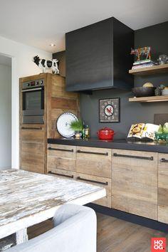 Kitchen Room Design, Interior Design Kitchen, Kitchen Decor, Rustic Kitchen, New Kitchen, Home Design Floor Plans, Small Apartment Decorating, Küchen Design, Kitchen Cupboards