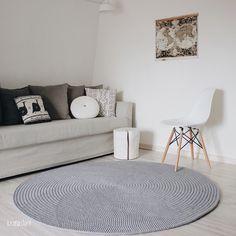 Crochet Carpet, Crochet Home, Diy Crochet, Rustic Decor, Farmhouse Decor, Fabric Yarn, Floor Rugs, Living Room, Interior
