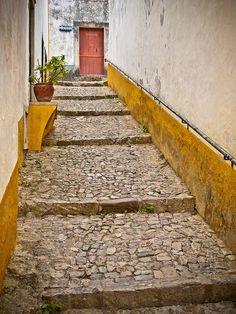 Yellow Alley (Óbidos, Portugal)