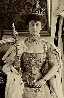 Maud, The Queen of Norway. Born Maud of Wales, the youngest daughter of King Edward VII and Alexandra of Denmark, in 1896 she married Prince Carl of Denmark. In 1905 Norway dissolved their 91 year union with Sweden and offered their throne to Carl, taking the name Haakon VII. Maud was the first queen of Norway who was not also queen of Sweden or Denmark since 1380.