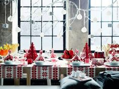 Simple red + white Christmas decorations
