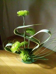 Contemporary Flower Arrangements, Tropical Floral Arrangements, Flower Arrangement Designs, Church Flower Arrangements, Vase Arrangements, Flower Centerpieces, Flower Crafts, Diy Flowers, Fresh Flowers