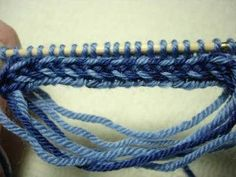 Tutorial Latvian Braid Cast-On. From Savannah Chik. Lots of other cool tutorials for knitting on this site.