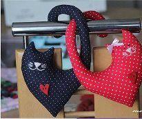 Il Cartamodello per fare due teneri gattini imbottiti in stoffa.