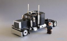 Size matters - Peterbilt revised 02 by _lichtblau_ Lego Cars, Lego Truck, Lego Trains, Camionnette Chevy C10, Legos, Lego Machines, Lego Worlds, Cool Lego Creations, Lego House