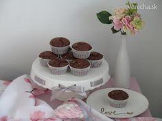 Čokoládové muffiny (videorecept) - Recept Desserts, Food, Tailgate Desserts, Deserts, Essen, Postres, Meals, Dessert, Yemek