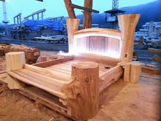 Quick And Easy Woodworking Projects For Begginers Rustic Bedroom Furniture, Rustic Bedding, Handmade Furniture, Pallet Furniture, Bespoke Furniture, Timber Beds, Wood Beds, Log Bed Frame, Woodworking Plans