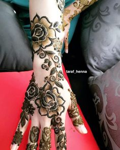Image may contain: one or more people Rose Mehndi Designs, Khafif Mehndi Design, Latest Henna Designs, Simple Arabic Mehndi Designs, Stylish Mehndi Designs, Mehndi Design Pictures, Wedding Mehndi Designs, Mehndi Designs For Fingers, Beautiful Mehndi Design