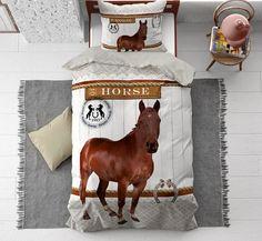 Leuk paarden dekbedovertrek met afbeelding van een paard, een hoef en tekst. Een ideaal kinder dekbedovertrek voor de echte paarden liefhebbers! Moose Art, Horses, Animals, Website, Shop, Animales, Animaux, Horse, Store