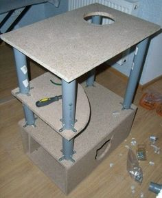DIY cat house - Cats and Dogs House Cat Playhouse, Cat Tree Plans, Cat Gym, Cat House Diy, Diy Cat Tree, Cat Perch, Pet Furniture, Furniture Stores, Furniture Outlet