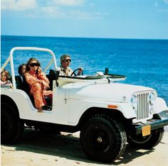 all i want is a jeep....everyday....always...since i was a child. ahh jeeps on the beach<3