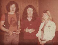 """PART I : Ik, Rory Gallagher en Patricia Backstage na het concert in Breda """"Het Turfschip"""" 1977 met de gesigneerde witte jeansvest door de Meester Himself gedaan :-)"""