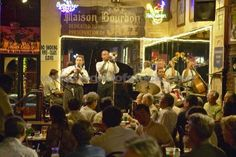 Drink in an authentic Jazz bar with a live band playing in New Orleans - Planned February 2015 - TICKED
