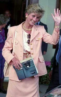 Now wave- Diana Princess of Wales