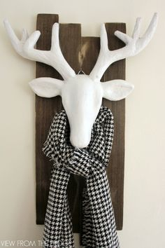 Trend Alert! You will be seeing black and white and reindeer a lot for Christmas 2016!