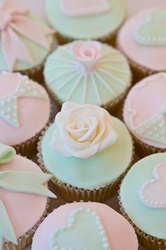 Vintage cupcakes | Cake boutique (Claire) | Flickr