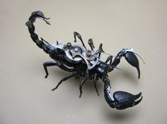 Mike Libby Steampunk Insects - Arachnidae: Heteromoetrus Spinifer Black scorpion long claw to tail Design Steampunk, Chat Steampunk, Steampunk Kunst, Style Steampunk, Steampunk Fashion, Arte Robot, Insect Art, Welding Art, Dieselpunk