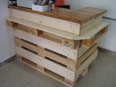 Ideas of pallet furnitures for a store #Furnitures, #Pallets, #Store
