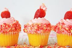 Strawberry Shortcake Cupcakes Recipe - Mom Does Reviews Shortcake Cupcake Recipe, Strawberry Cheesecake Cupcakes, Strawberry Shortcake Cupcake, Strawberry Frosting, Strawberry Desserts, Chocolate Strawberries, Covered Strawberries, Cupcake Recipes, Dessert Recipes