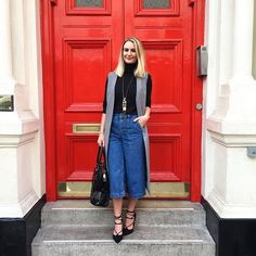 Our denim culottes styled perfectly Denim Cullotes Outfit, Cropped Jeans Outfit, Casual Street Style, Street Chic, Casual Chic, Denim Fashion, Women's Fashion, Fashion Outfits, Fashion Tips