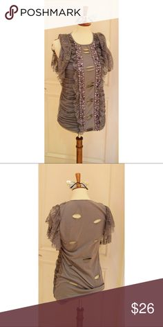 Forever 21 Grey Ripped top Super cute and stylish!   Worn Forever 21 Tops