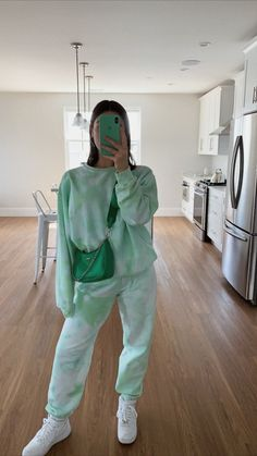 maggie-macdonald Streetwear Mode, Streetwear Fashion, Cute Casual Outfits, Summer Outfits, Beach Outfits, Mode Instagram, Mode Ulzzang, Affordable Lingerie, Family Picture Outfits