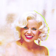 Megan Hilty looking very Marilyn