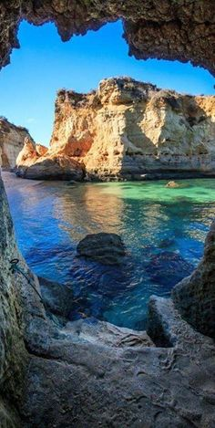 #Caves in #Lagos, #Portugal http://en.directrooms.com/hotels/subregion/2-37-321/