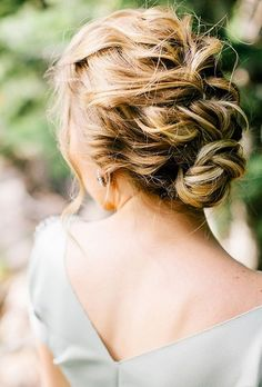 15 Fantastic Updos for Medium Hair | Volt In Wedding