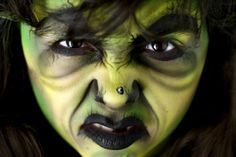 Face painting Witch – 1001 + Ideas for Spooky Halloween Face Paint Suggestions… - Education and lifestyle Spooky Halloween, Halloween Makeup Witch, Halloween Witch Wreath, Witch Makeup, Halloween Face, Vintage Halloween, Witch Face Paint, Girl Face Painting, Face Paintings