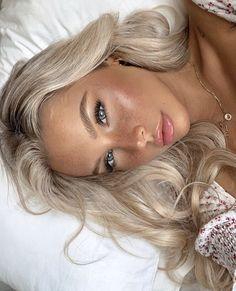 Prom Makeup, Cute Makeup, Pretty Makeup, Skin Makeup, Beauty Makeup, Hair Beauty, Aesthetic Hair, Aesthetic Makeup, Maquillage On Fleek