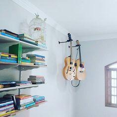 Nossos passaportes! . ☁🏡💙 . #minhacasacolorida #maiscorporfavor #minhacasapop #sitecasaaberta #casacomalma #casasreais #historiasdecasa #casadeamados #todacasatemumahistoria #vidasimples #decorarmaispormenos #artecomdecorei #decoracaoafetiva #minhacasaminhacara #decoracao #wonderland #homesweethome #books #music  #sucodenuvem #leveza #delicadezas #fofuras #DIY #decor #arte #lardocelar #cores #sonhos #slowlife