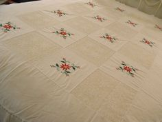 Christmas Holiday Poinsettia Embroidered Snowflake Lace White Table Cloth 65x84