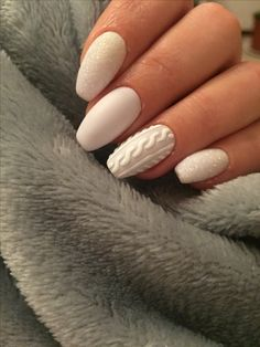 20 Fabulous Free Winter Nail Art Ideas — remajacantik Winter is here and brings countless different styles of fashion and glorious trends. At Halloween and Christmas festivities, as well as other important events, you can look at exotic nail art ideas. Blue Nail, White Nail Art, White Nails, Xmas Nails, Holiday Nails, Christmas Nails, Winter Christmas, Christmas Cookies, Christmas Time