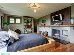 Photos from the listing of Monique Keegan's Stonehill home