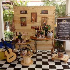 Festa Boteco: 70 ideias e tutoriais para comemorar com estilo 30th Party, 50th Birthday Party, Christmas Door Decorations, Table Decorations, Western Parties, Farm Theme, Samba, Luau, Open House