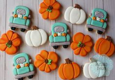 Martha Lear - Welcome my homepage Thanksgiving Cookies, Fall Cookies, Cut Out Cookies, Cute Cookies, Holiday Cookies, Thanksgiving Baking, Cookies Cupcake, Iced Cookies, Birthday Cookies