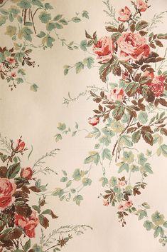 "Vintage Wallpaper - ""Summer Roses"" by Waterhouse Wallhangings/ebay /Wallpaper Afficianado"