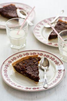 Crostata di cioccolato noci rum e caffè, ricetta sfiziosa dolce